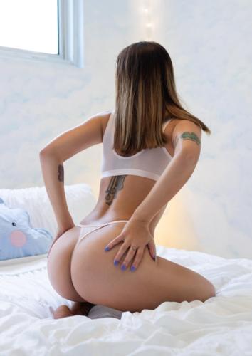 Evie Jones